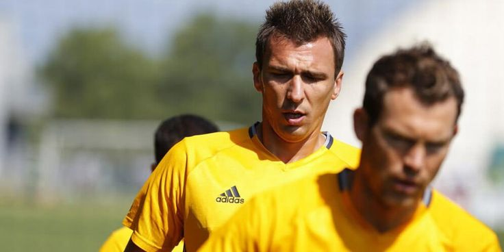 Chelsea Coba Bujuk Mandzukic Hijrah dari Juventus
