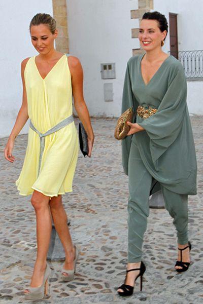 Hermanas Osborne con vestidos de Roberto Diz.