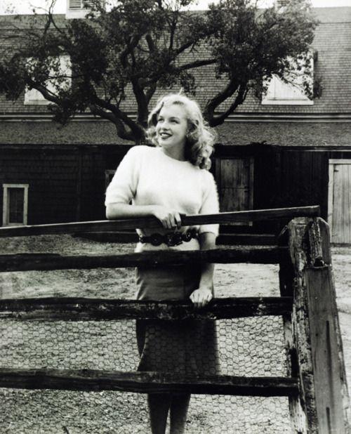 Marilyn Monroe visiting Fox Studios, photograph by Joseph Jasgur, 1947