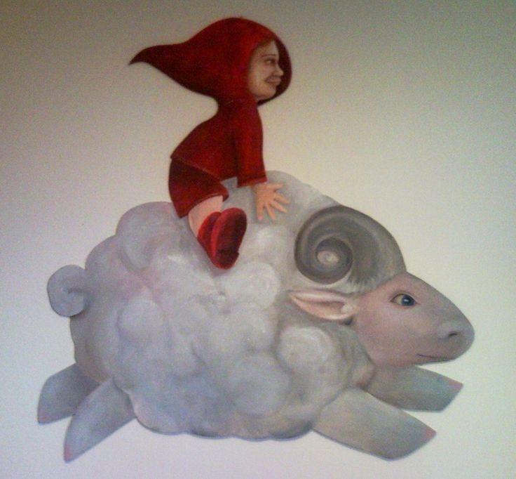 Bambino su un montone-nuvola, dipinto su compensato sagomato. #cavalcarelenuvole #paintonwood  #montone  #amicovolante
