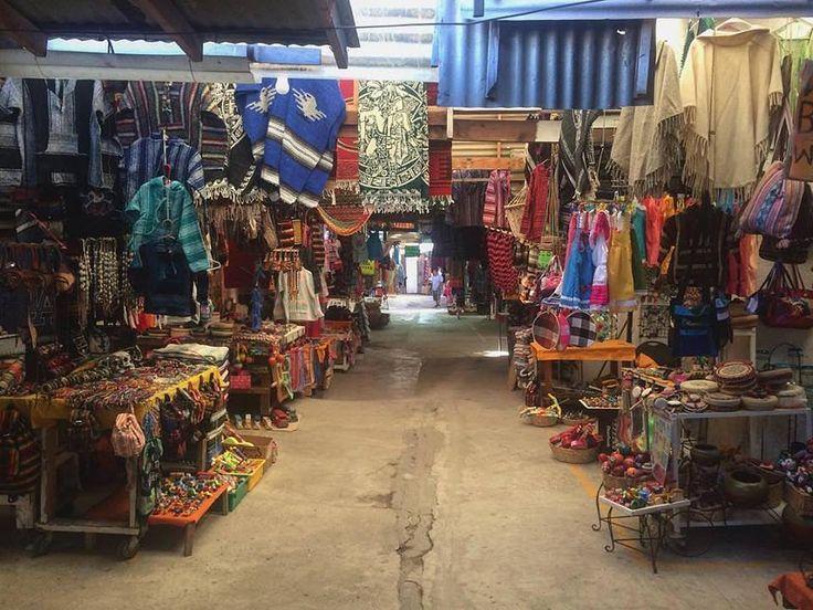 No olvides visitar el mercado de artesanías y llevarte un recuerdo de #Rosarito #BajaCalifornia😀 #BajaCalifornia #DiscoverBaja #DescubreBC #EnjoyBaja #DisfrutaBC #BC #Baja #Artesania #México #BajaMexico #Vacaciones #Vacations #Summer conoce más visitando: www.descubrebajacalifornia.com  Aventura por kendraxpotter
