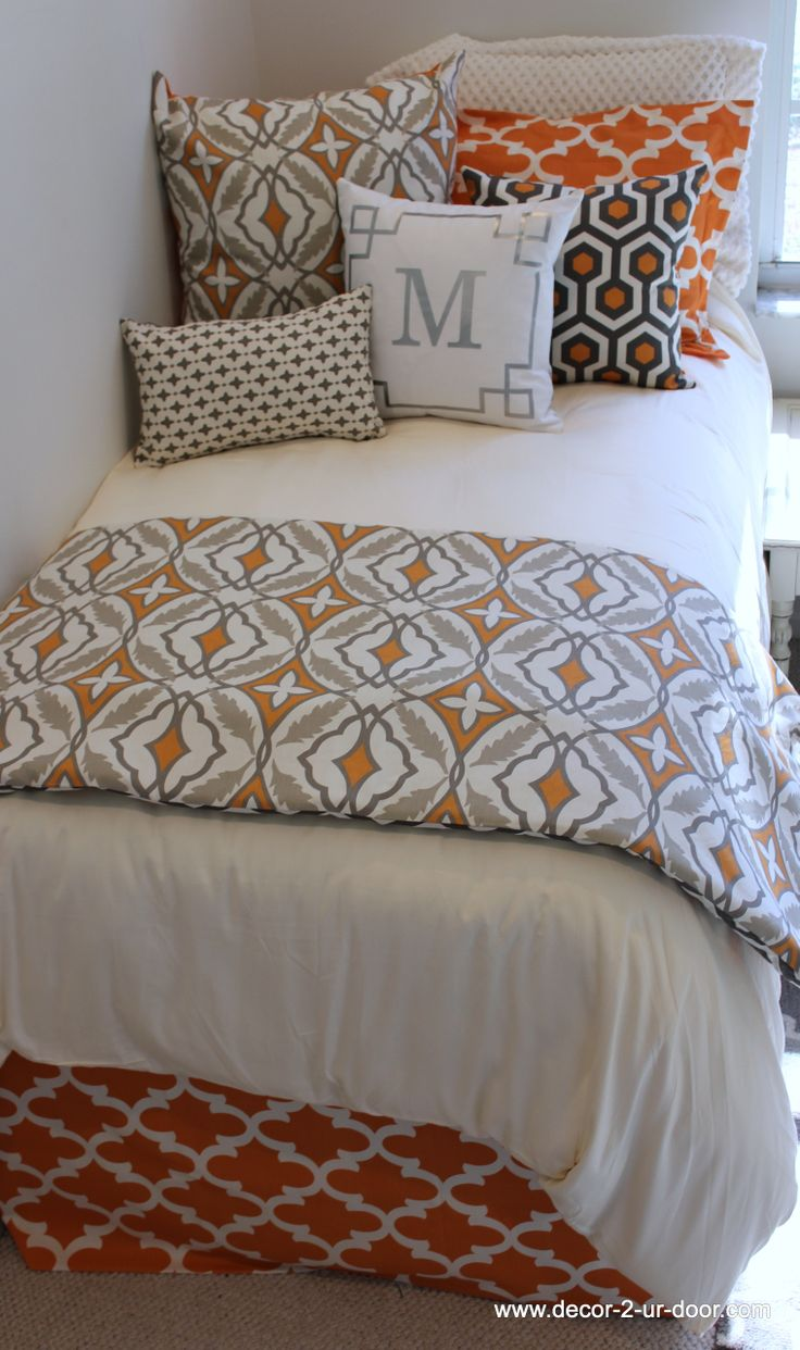 www.decor-2-ur-door.com dorm bed in a bag sets designer dorm room bedding or design your own.  exciting new patterns just in time for summer move in dates!