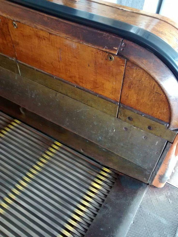 Amberes, escaleras mecánicas en el túnel de mas de medio km que pasa por debajo del río. - mi viaje a Bélgica (FOTOS inside)