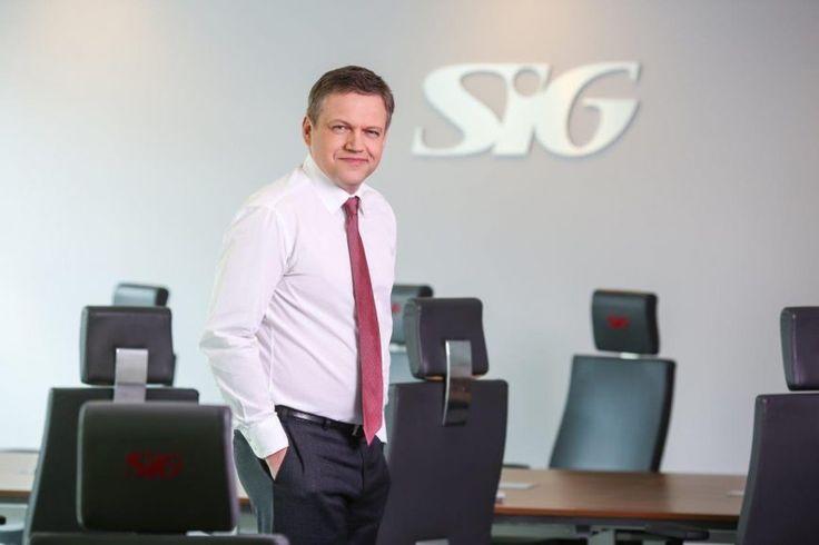 Ewolucja kierunków zadań IT w dynamicznym przedsiębiorstwie handlowo-logistycznym -  Mirosław Kindrat, Dyrektor IT w SIG Sp. z o.o. Od kilku lat nieustannie obserwujemy zmianę oczekiwań wobec usług informatycznych. Z perspektywy wewnętrznego dostawcy widać coraz większą biegłość w wykorzystaniu narzędzi, wzrost dojrzałości formułowania wymagań i świadomości zarządzania zmianami o... http://ceo.com.pl/ewolucja-kierunkow-zadan-it-w-dynamicznym-przedsiebi