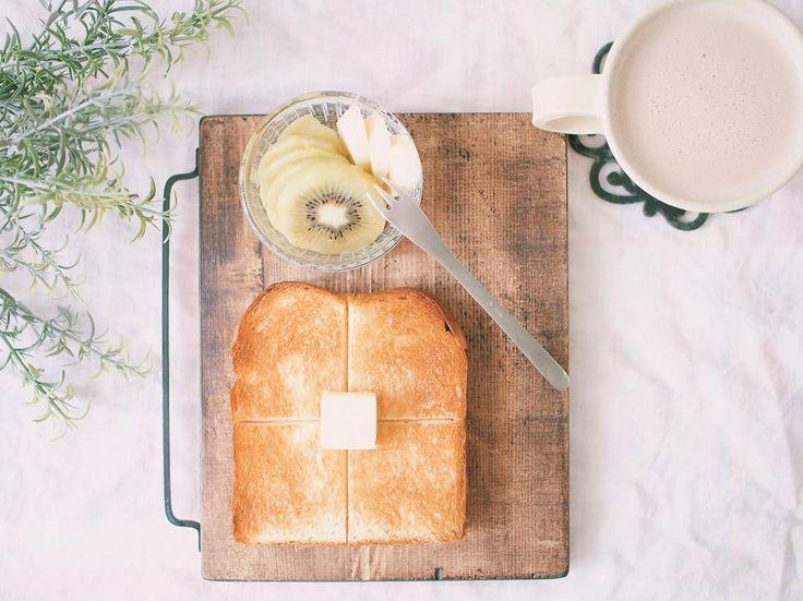 安価で買えて12種類の機能を持つニトリのホームベーカリーがとっても優秀なんです。作れるパンの種類も豊富ですが、生パスタやうどん、ジャムまでも作れます。レシピと一緒に機能のご紹介をします。
