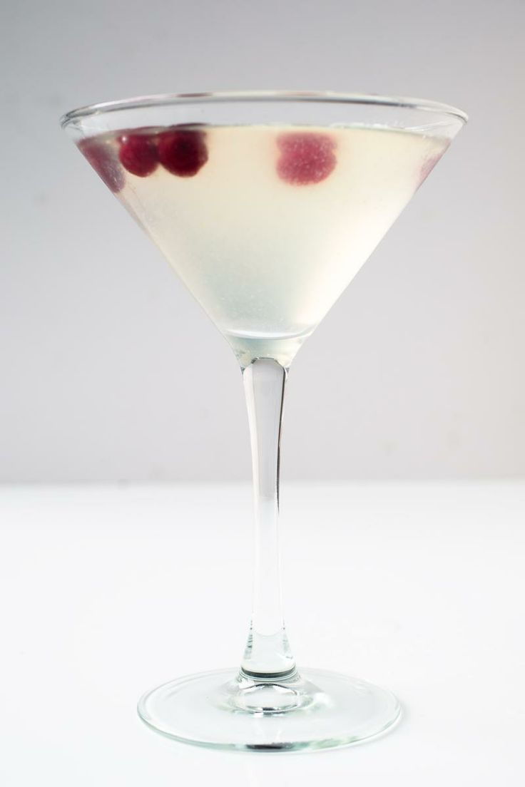 White cosmopolitan cocktails cranberries and recipe for Cranberry bitters cocktail recipe