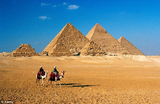 Egypt tourism continues to plummet as Thomas Cook loses quarter of a million holidaymakers due to turmoil