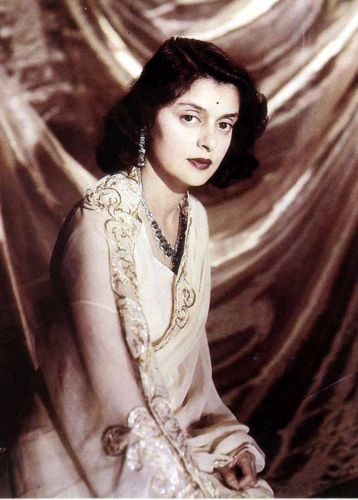 HH Maharani Gayatri Devi, Rajmata of Jaipur. She was daughter of Prince Jitendra Narayan and Indira Devi of Cooch behar. She was celebrated for her classical beauty was counted in 'The Ten Most Beautiful Women of the World' along with actress Leela Naidu by Vogue Magazine. She ran for Parliament in 1962 and won the constituency in the world's largest landslide victory. She died on 29 July 2009 in Jaipur - http://www.johanhoogewijs.com/documentaries/38/MEMOIRS_OF_A_HINDU_PRINCESS/ - ♥ Rhea…