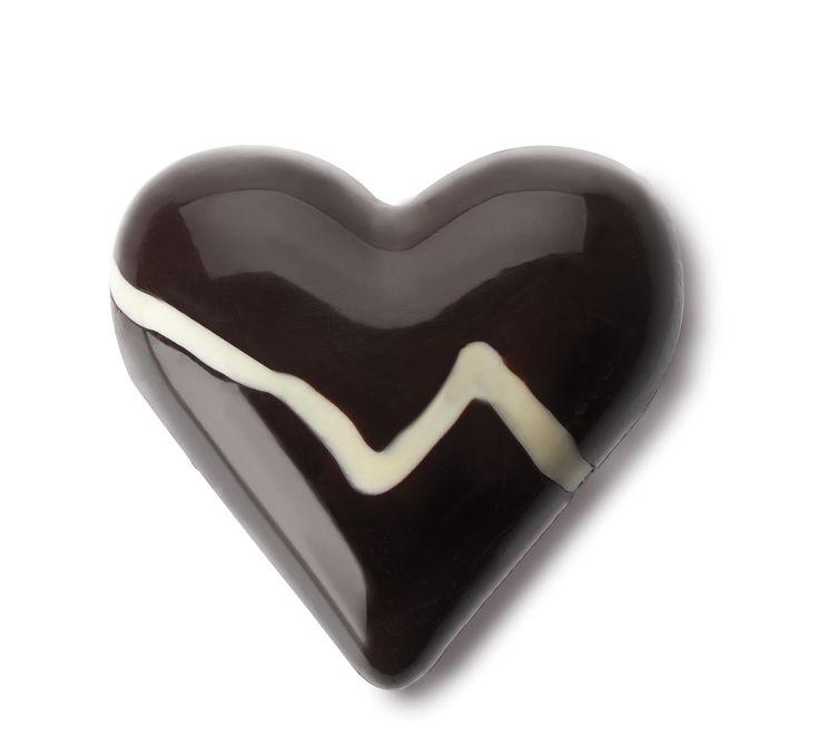 CORAZÓN DE CHOCOLATE REALIZADO CON EL MOLDE CORAZÓN 3D MINI - CHOCOLATE HEART MADE WITH IBILI 3D HEART MOULD MINI