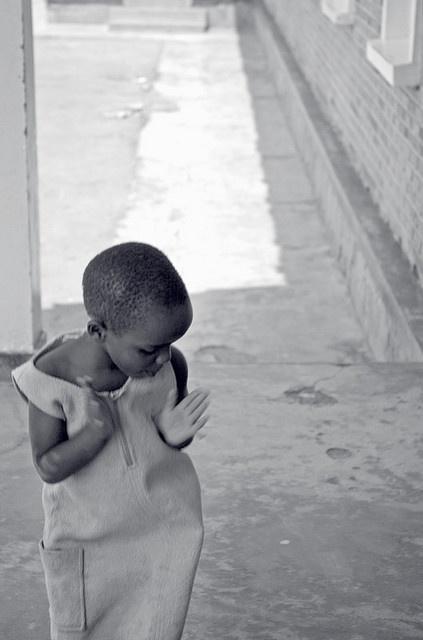 D A N C I N G  Gisimba Memorial Center.  Kigali, Rwanda. Afrika.