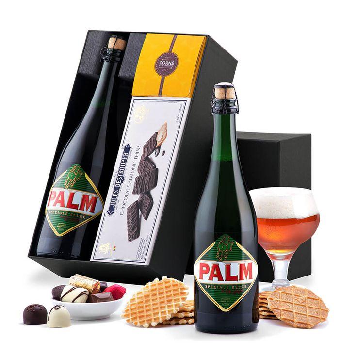 Dit geschenk omvat het Belgisch bier Palm Royale 75 cl en andere Belgische specialiteiten zoals Corné Port-Royal chocolade en Destrooper koekjes.