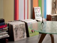 JAKA FARBA DO JAKIEGO POMIESZCZENIA: Minęły czasy, gdy farbę do malowania ścian wybierało się uwzględniając tylko kolor. Dzisiejsze różnią się przeznaczeniem, wydajnością, odpornością na ścieranie i wilgoć. W salonie użyjemy innej farby niż w łazience czy kuchni.