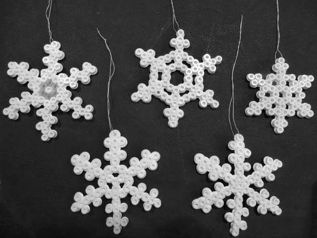 Bodenseewellen: Eiskristalle aus Bügelperlen DIY