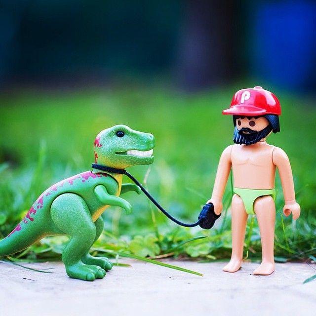 Por fin...libre y ahora le daré un paseito a mi dinosaurio #dinosaur#playmobil#friki#beard