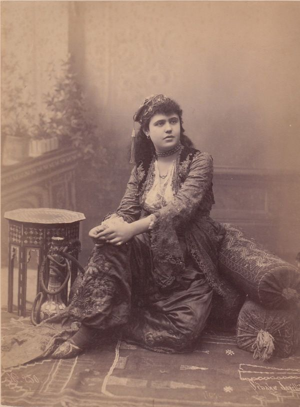 Photograph of a woman of the household of Sultan Abdul Hamid II c. 1890, taken by Johannes Sebah and Policarpe Joaillier.