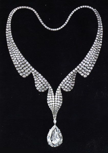 The Taylor-Burton Diamond is a diamond made famous when purchased by actor Richard Burton for his wife Dame Elizabeth Taylor in 1969, receiving worldwide publicity for its size and value. 68 carats. (description from Wikipedia)