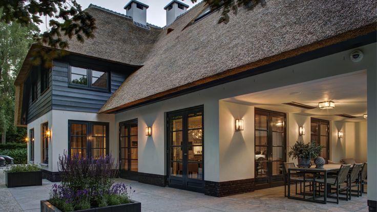 Uitgangspunt voor Hoek achter hieromheen kun je rest van huis tekenen in dezelfde stijl.