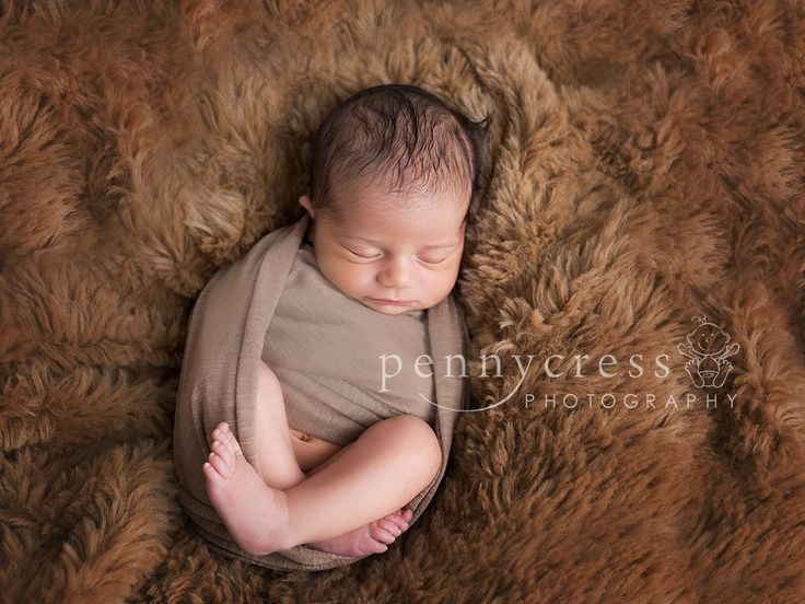 www.pennycressphotography.co.uk Newborn in Winter on fur