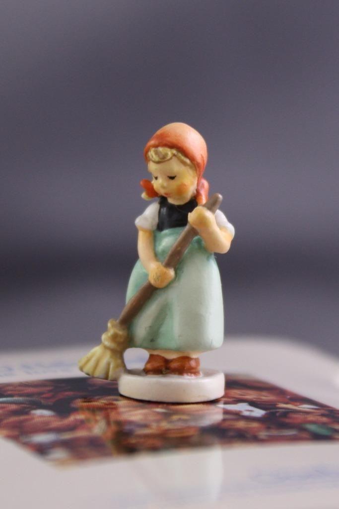 Goebel Miniatures Little Sweeper Vintage Hummel Figurine Olszewski 253-P 1988 | eBay