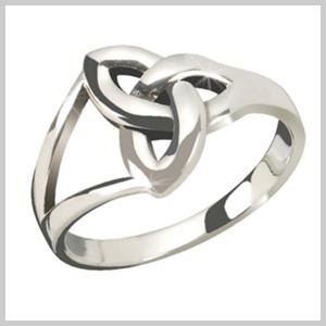 This Trinity Knot Ring is a traditional Irish trinity knot. With its bold and bright polish finish it's a true expression of your love. In modern times the Trinity knot is now interpreted as the Irish love knot. The trinity knot's interlaced and unbroken lines symbolize spiritual growth, eternal life and undying love.