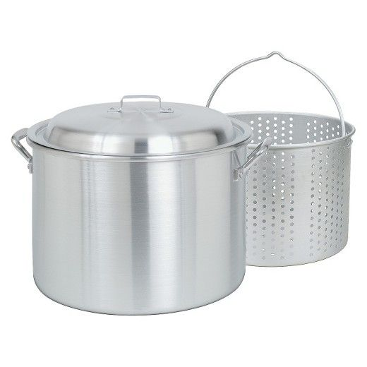 If you are searching for a fryer that does double duty, meet the Bayou Classic 20qt Boiler/Fryer. This outdoor fryer works best on the grill or propane stove. The removable perforated basket is ideal for steaming veggies, clams and more. The 20-quart pot is ideal for tasks like cooking up a batch of chili, frying chicken, steaming corn on the cob and more.