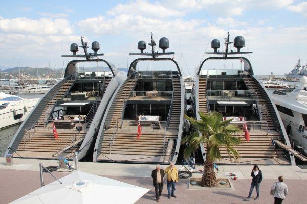 Charter Yacht OCEAN SAPPHIRE - Rodriguez Cantieri Navali 41m - 5 Cabins - Monaco - Naples - Porto Cervo
