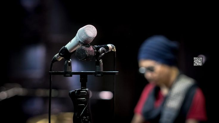 Neumann KMS 105 Glossy White and Black, Limited Edition, HEi Band