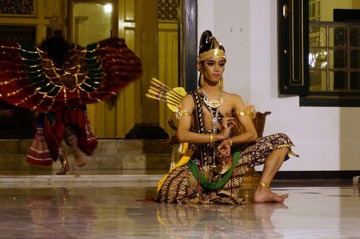 Royal dancer, Surakarta, Indonesia - Solo Java 2013