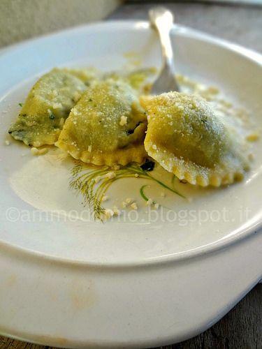 ammodomio: Ravioli ricotta e spinaci con semola di grano duro...