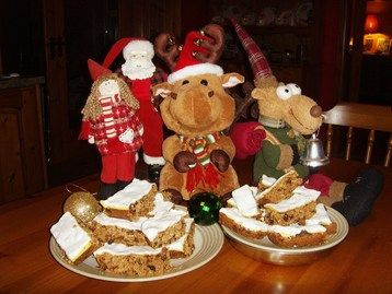Christmas Cake Slices Recipe at MyDish... Boozy, fruit & nutty! Moist with an amazing combination of fantastic winter spices & the twinklings of Hennessy Brandy and Jameson Whiskey with a soft marzipan & fondant frosting...