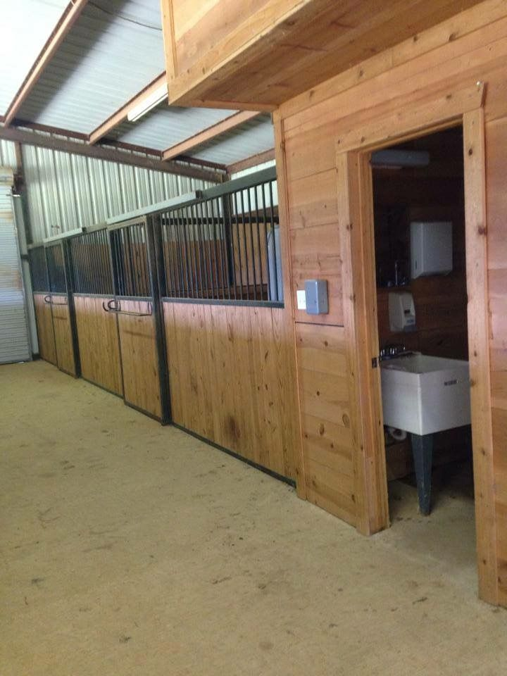 Horse barn boarding with bathrooms for boarders and guests to use