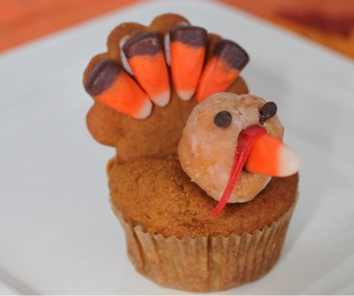 Here's an easy pumpkin cupcake recipe that's perfect for fall entertaining.