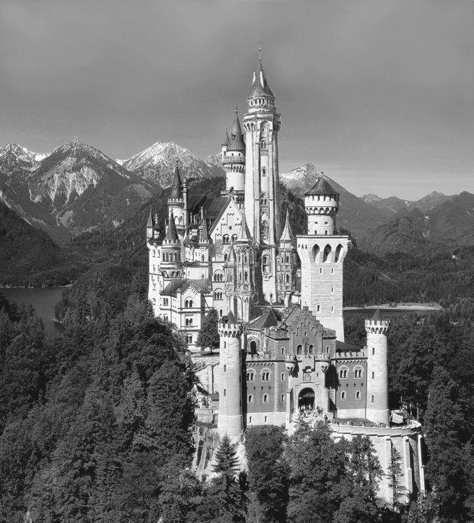Schloss Neuschwanstein Von Sudosten Mit Hohem Turm In 2020 Schloss Neuschwanstein Architektur Collage Schloss