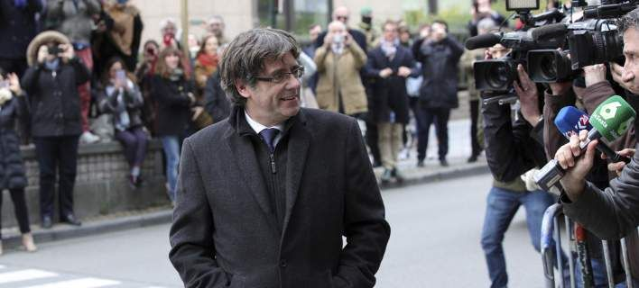 Εξελίξεις: Ο Κάρλες Πουτζεδμόν παραδόθηκε στις βελγικές αρχές