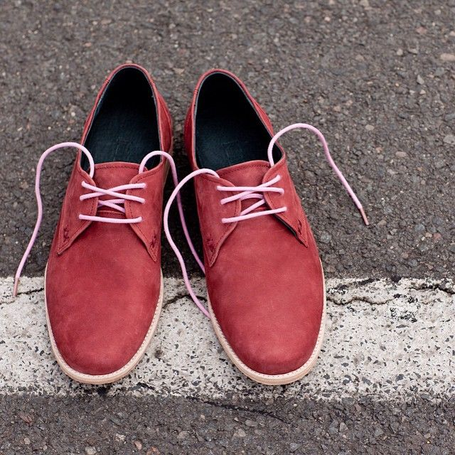 Crossing The Line: From standard to unique. 'Otto' Pink Laces in a pair of Meandher Men's Shoes #maverickslaces #pink #laces #bright #unique #individual #colour #vscocam