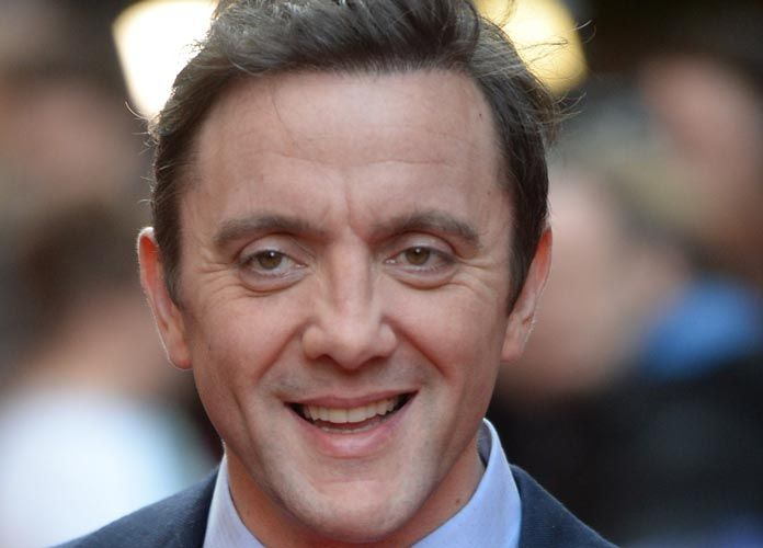 Peter Serafinowicz Set To Play Blue Superhero In '‪#‎TheTick‬'