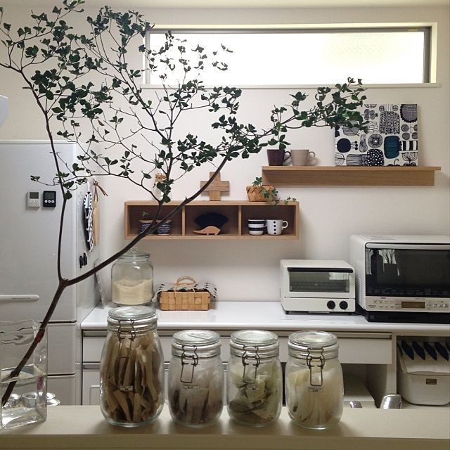 キッチンを手軽にイメージチェンジ 壁に付けられる家具 インテリア