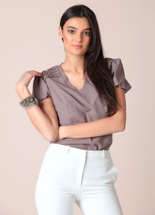 LOLAVİEN Bluz Markafoni'de 50,00 TL yerine 19,99 TL! Satın almak için: http://www.markafoni.com/product/3159563/