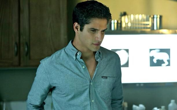 1000 images about tyler posey the true alpha on pinterest tyler posey scott mccall and. Black Bedroom Furniture Sets. Home Design Ideas