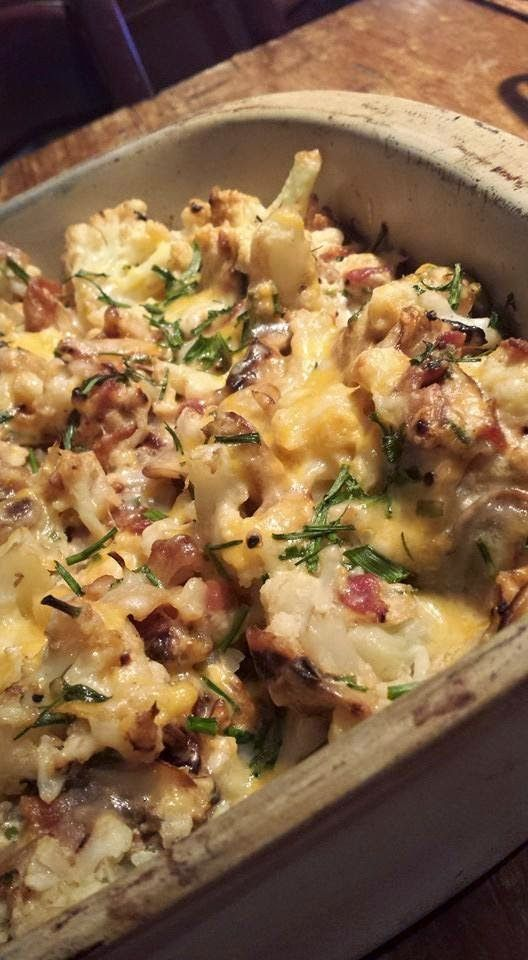 I've seen many Loaded Cauliflower recipes float around. This is the one I came up with. 6 C cauliflower florets, steamed or boiled for 8-10 min 8 strips bacon, cooked & crumbled 3 T snipped fresh chiv