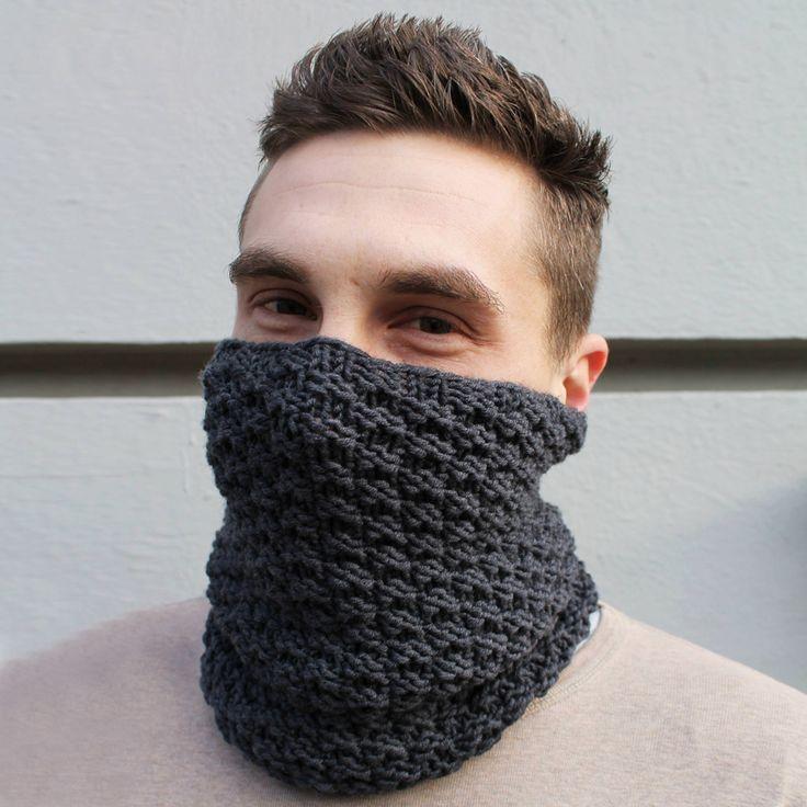 Anleitung: So strickst du einen Loopschal für Männer