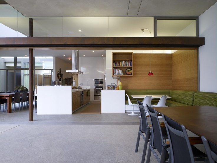 Yin Yang House by Brooks + Scarpa. Venice, CA. Truly embraces indoor/outdoor living. Kitchen/pantry design is beautiful, functional, and a delight. Net Zero house to boot.