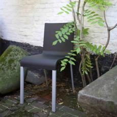 Een van de bestsellers van het hedendaags design, de stoel .03 van Maarten Van Severen, kwam er na een lang ontwerpproces. Die tien jaar van onderzoek en testen zijn via beelden en voorwerpen gecoverd in deze tentoonstelling die nog tot 17 juni loopt in Grand-Hornu Images.