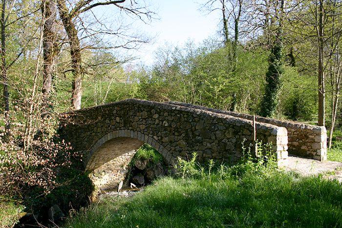Petit pont des martinets de la Ramonde.