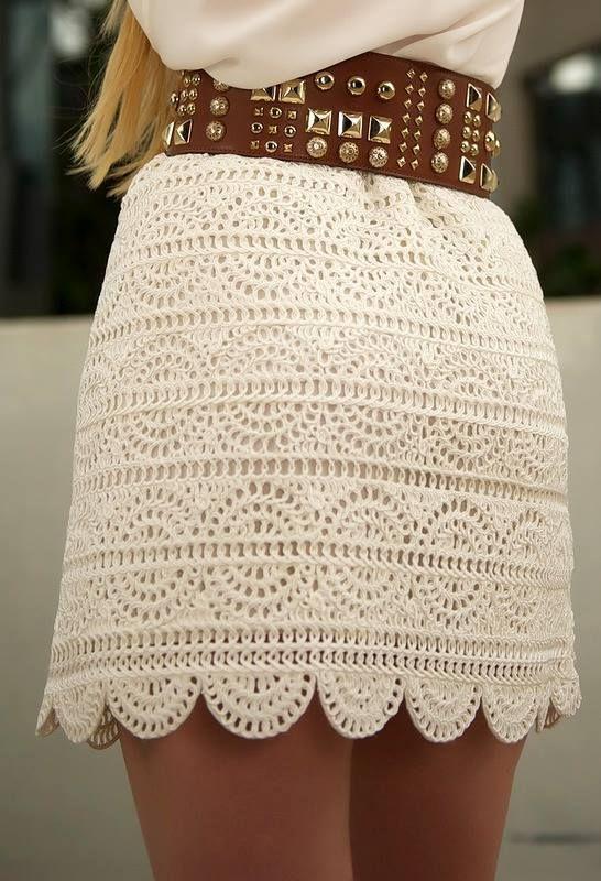 une jupe d'été : je vous propose ce beau modèle de jupe, très fine, vous trouverez toutes les explications et diagrammes pour la faire