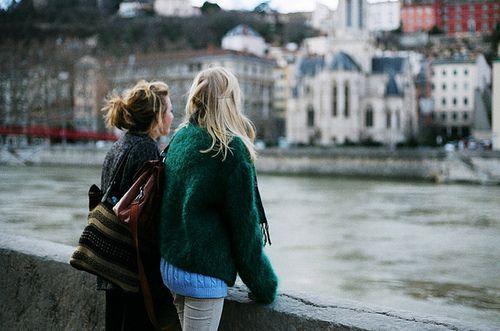 Viajar el mundo juntas :)