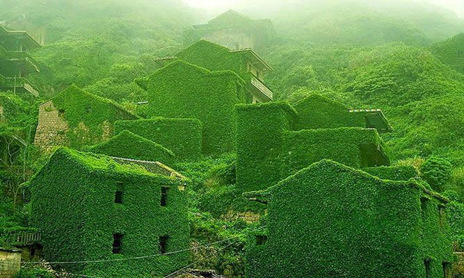 Hus naturen tagit över- Fiskeby i kina. Har du någonsin funderat över vad som skulle hända om en hel by blev övergiven? Här har du svaret.