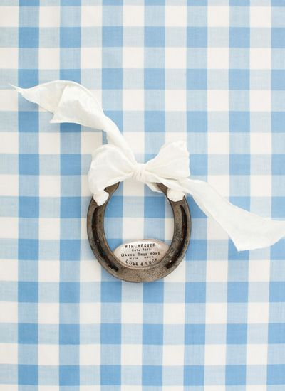 custom horseshoe stamped with wedding date I absolutely love this.