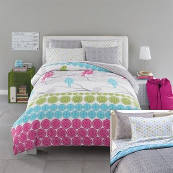 Girls bed set comes with 11 pieces! Great for college dorm bedding or home beds that need extra long twin XL size!