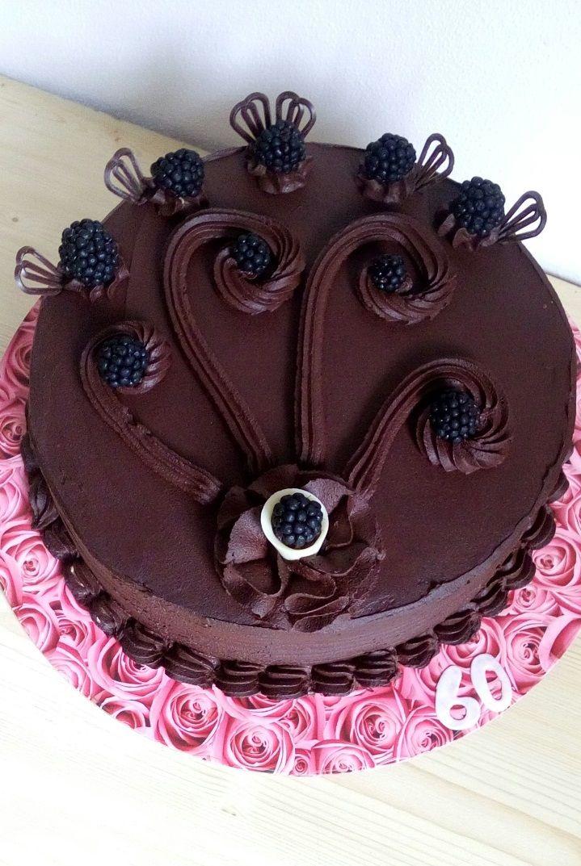čokoládový dort s ovocem a čokoládovým mascaprone ( chocolate cake with fruit )  https://www.facebook.com/Dorty-Majka-250373205101440/